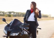 transport motocykla na przyczepce